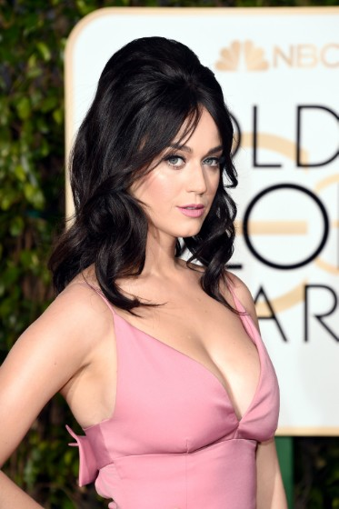 Katy Perry Starts New Red Carpet Hair Trend: Retro 60's Glam.